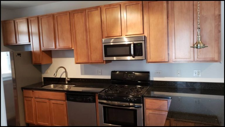 Chicago. Lakeview kitchen cabinets refinishing
