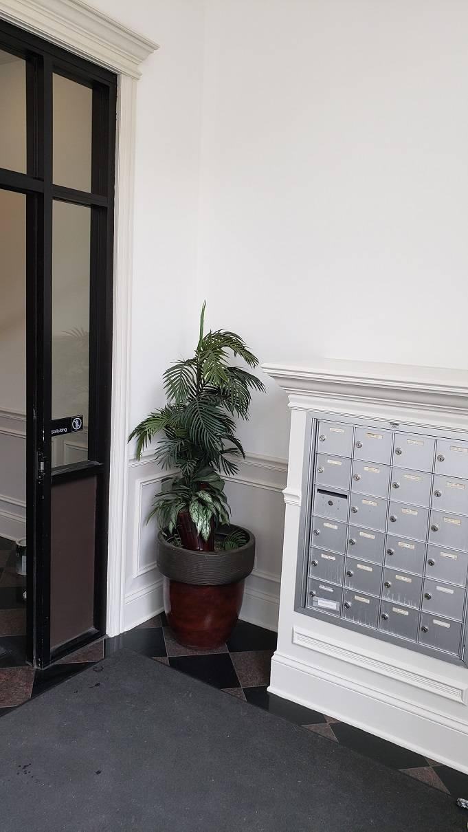 2020,05,05_West_Loop_Hallway_Lobby_painting - West-Loop-lobby-and-hallway-painting.-Wainscott.-Walls-and-ceilings.-Chicago-painter.-Drywall-repair-3.jpg
