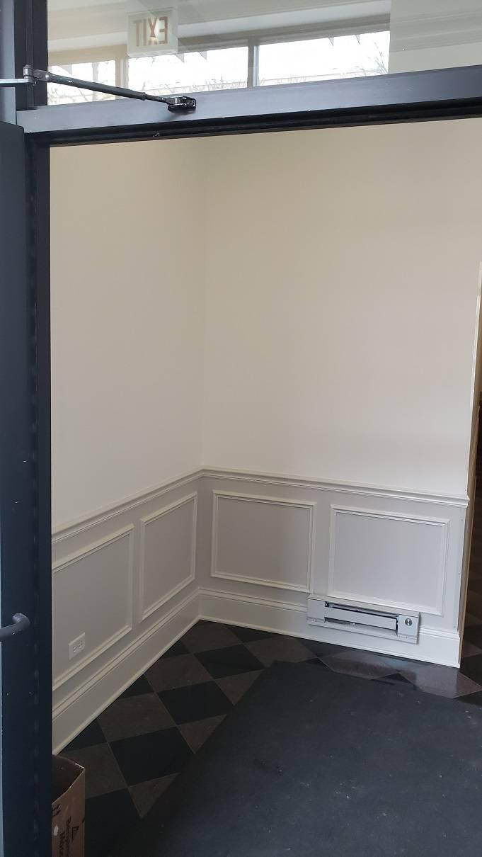 2020,05,05_West_Loop_Hallway_Lobby_painting - West-Loop-lobby-and-hallway-painting.-Wainscott.-Walls-and-ceilings.-Chicago-painter.-Drywall-repair-5.jpg