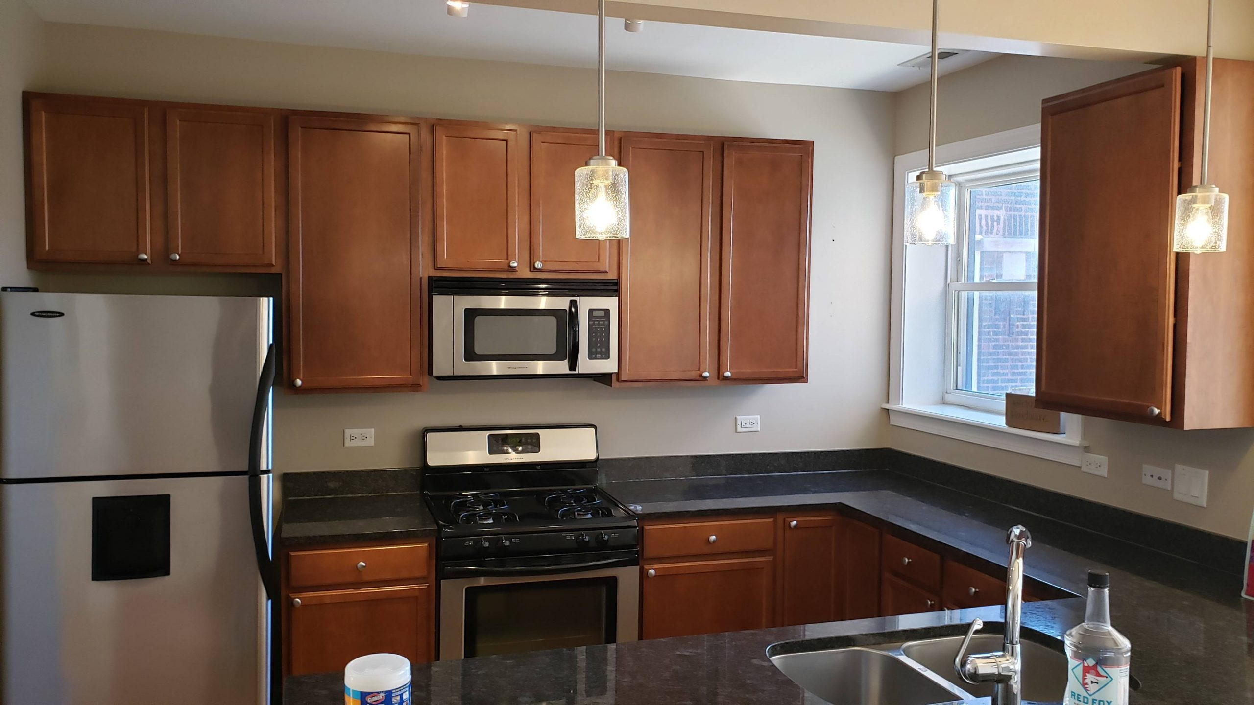 2020.04.22_Lakeview_Kitchen_cabinets_painting - Chicago-painter.-Kitchen-cabinets-painting.-Lakeview-1.jpg