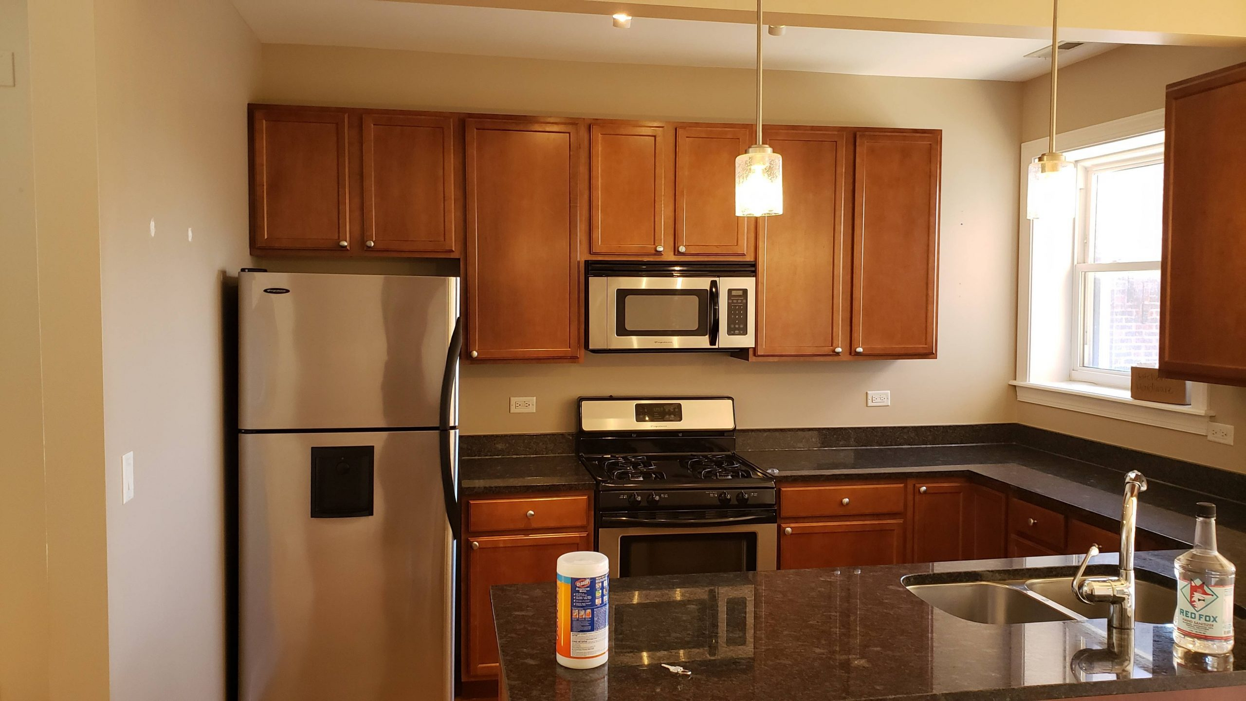 2020.04.22_Lakeview_Kitchen_cabinets_painting - Chicago-painter.-Kitchen-cabinets-painting.-Lakeview-2.jpg