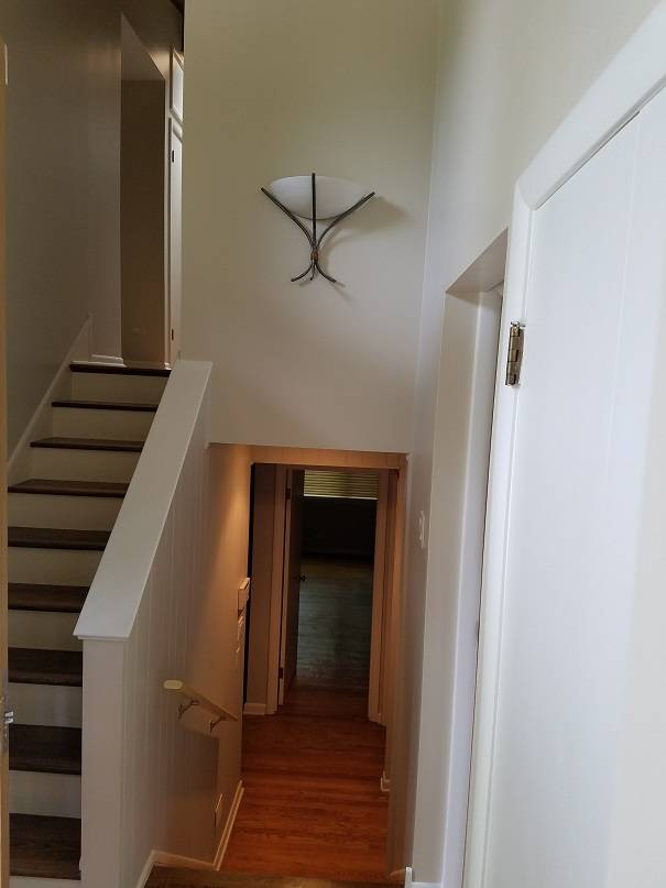 North Chicago house interior painting. Painting contractor.