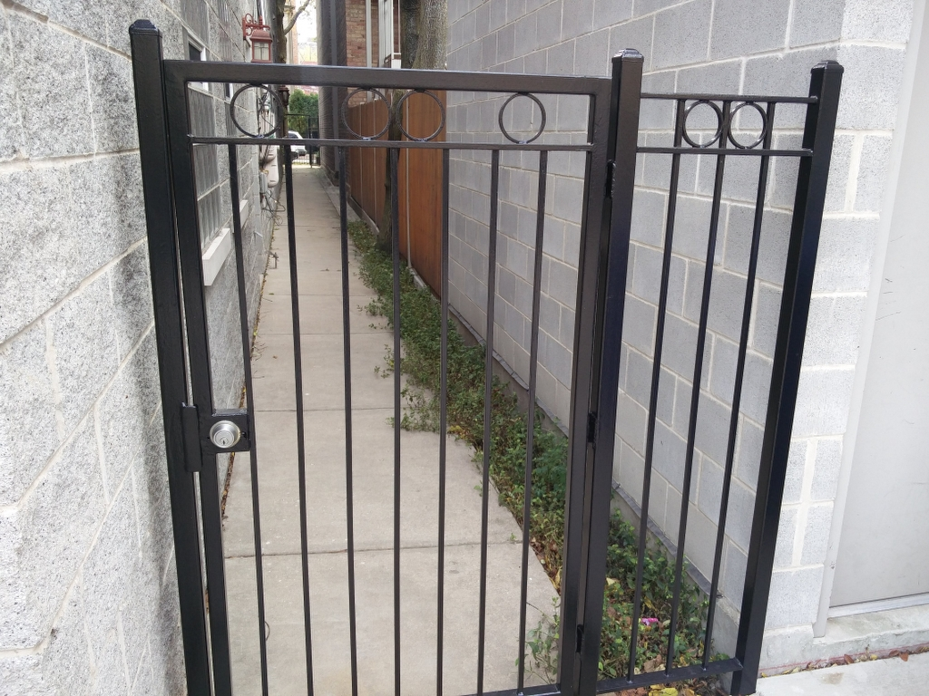 Lincoln Park Balcony Fence Stairs Metal Refinishing