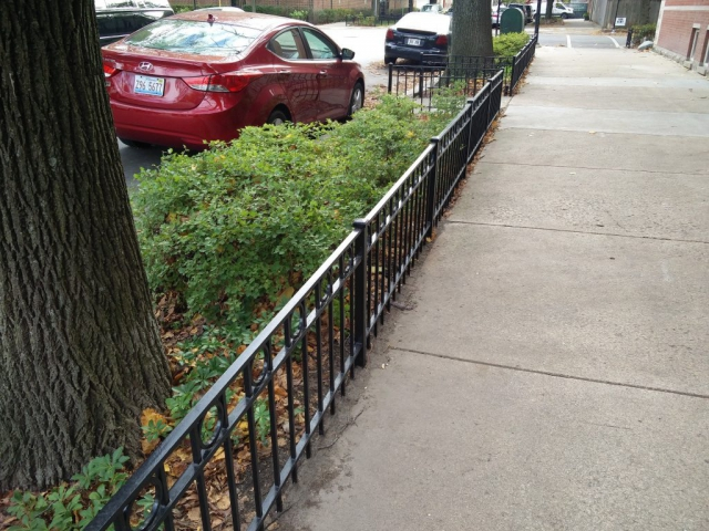 2017.12.11_Lincoln_Park_balcony_fence_stairs_metal_refinishing - Painter_Chicago-_-Fence-handrails-balcony-stairs-metal-refinishing.-Lincoln-Park-rust-removal-2.jpg
