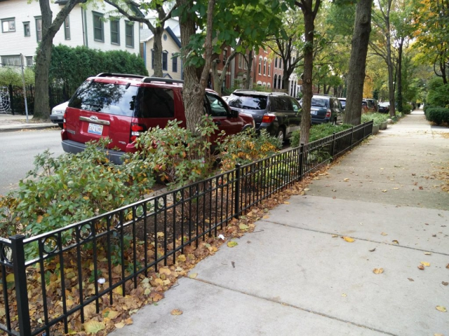 2017.12.11_Lincoln_Park_balcony_fence_stairs_metal_refinishing - Painter_Chicago-_-Fence-handrails-balcony-stairs-metal-refinishing.-Lincoln-Park-rust-removal-5.jpg