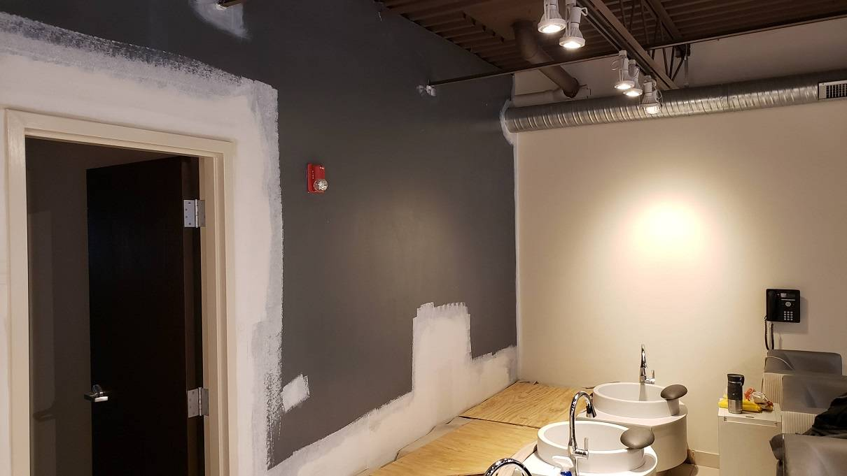 2018.11.30_West_Town_wallpaper_installation - West-Town-accent-wall-wallpaper-installation.-Chicago-painter-1.jpg